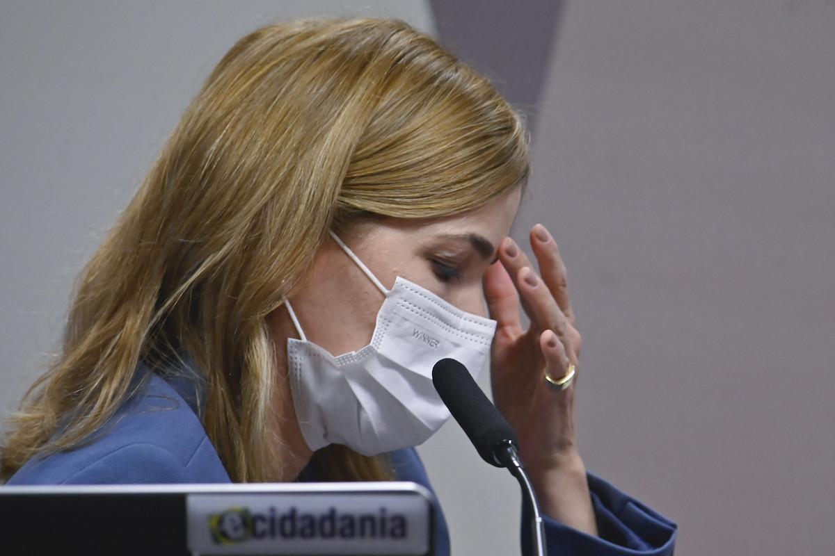 """Capitã cloroquina"" presta depoimento à CPI da Covid"