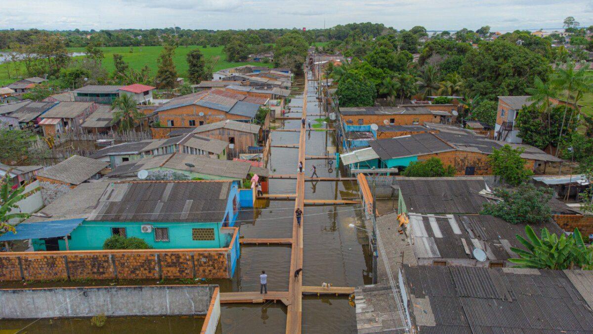 Rio Amazonas atinge maior cheia da história em Parintins neste dia 16