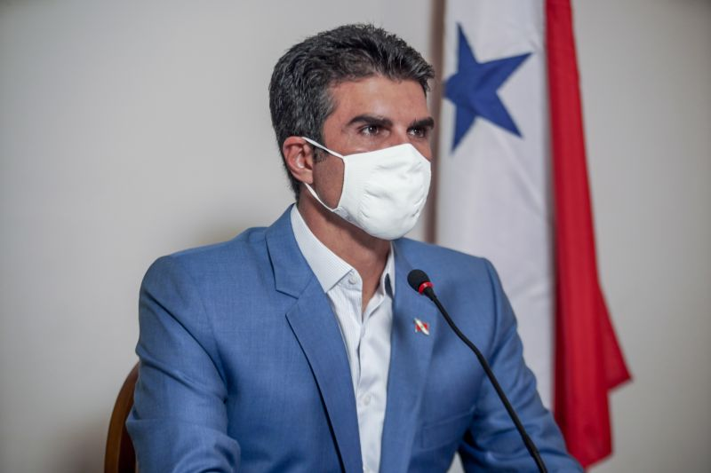 Governador teme perder o cargo por suspeita de corrupção, diz site