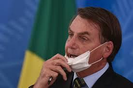 Fake News disparados por Bolsonaro agravaram pandemia no Brasil