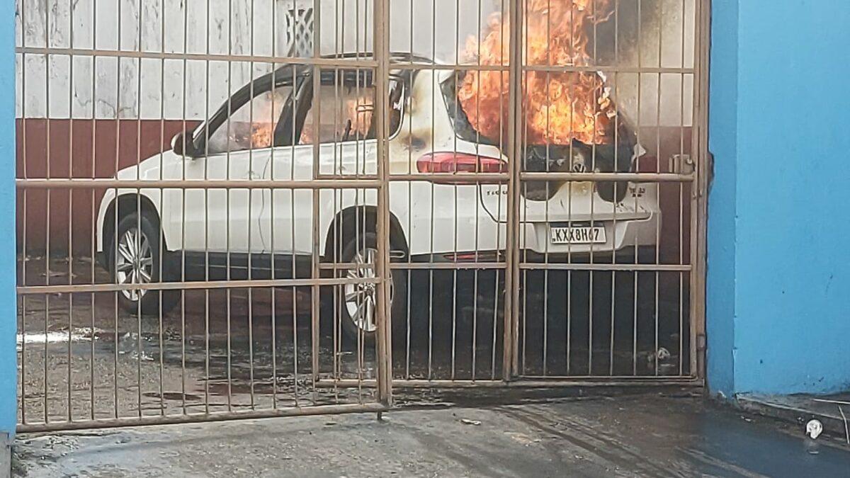 Incendiários não dão trégua em Manaus e amanhecem tocando fogo