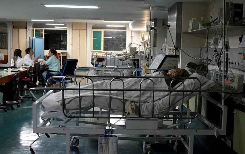 Fiocruz aponta patamar alto de transmissão do coronavírus no país