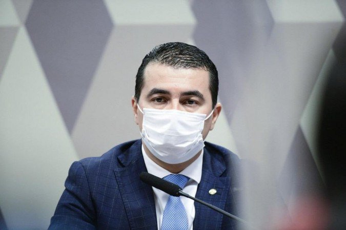 PF envia pedido ao STF para investigar Luís Miranda