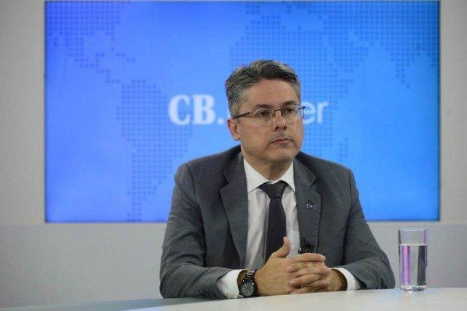 Senador cobra no STF que Bolsonaro prove fraude em eleição
