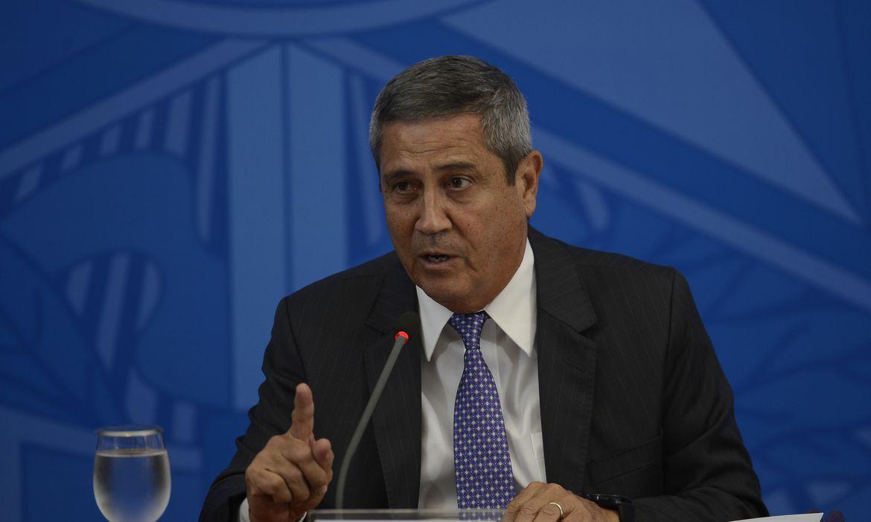 Brasil está sob ameaça de golpe militar, revela Estadão