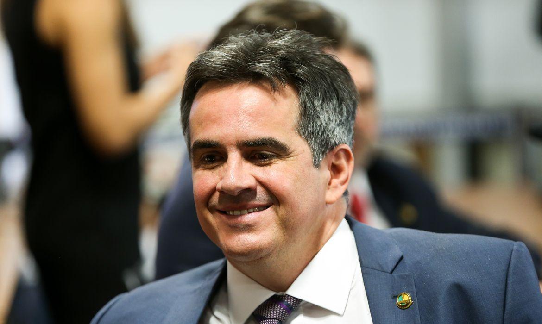 Senador Ciro Nogueira deve assumir Casa Civil, diz Bolsonaro em reunião