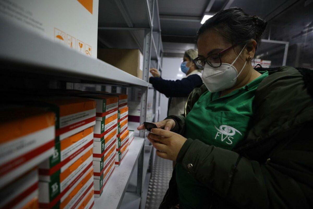 Setenta mil doses de Coronavac e Astrazeneca reforçam vacinação no AM