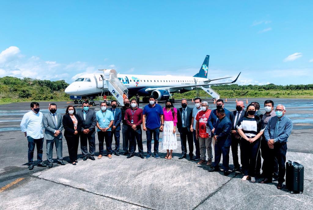 Com pavulagem, Parintins inaugura voos da Azul em jatos de 118 lugares