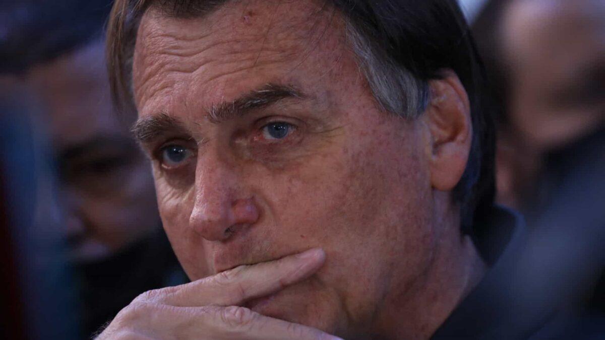 Bolsonaro atiçou seguidores para atos se não tiver voto impresso em 2022
