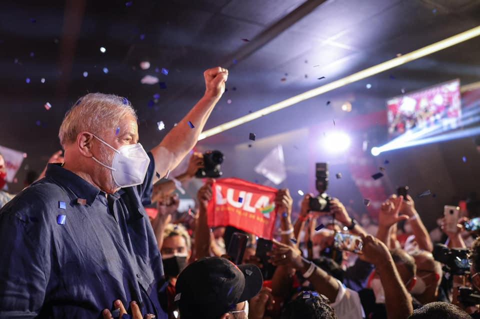 Lula, no Nordeste, diz querer vice que 'não pense em dar golpe'