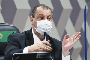 Senador Omar Aziz durante sessão da cpi da covid