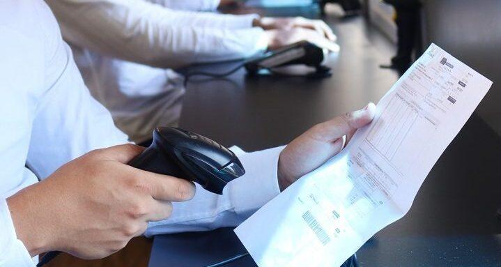 Prefeito proíbe corte de água da tarifa social e impõe regras a dívida