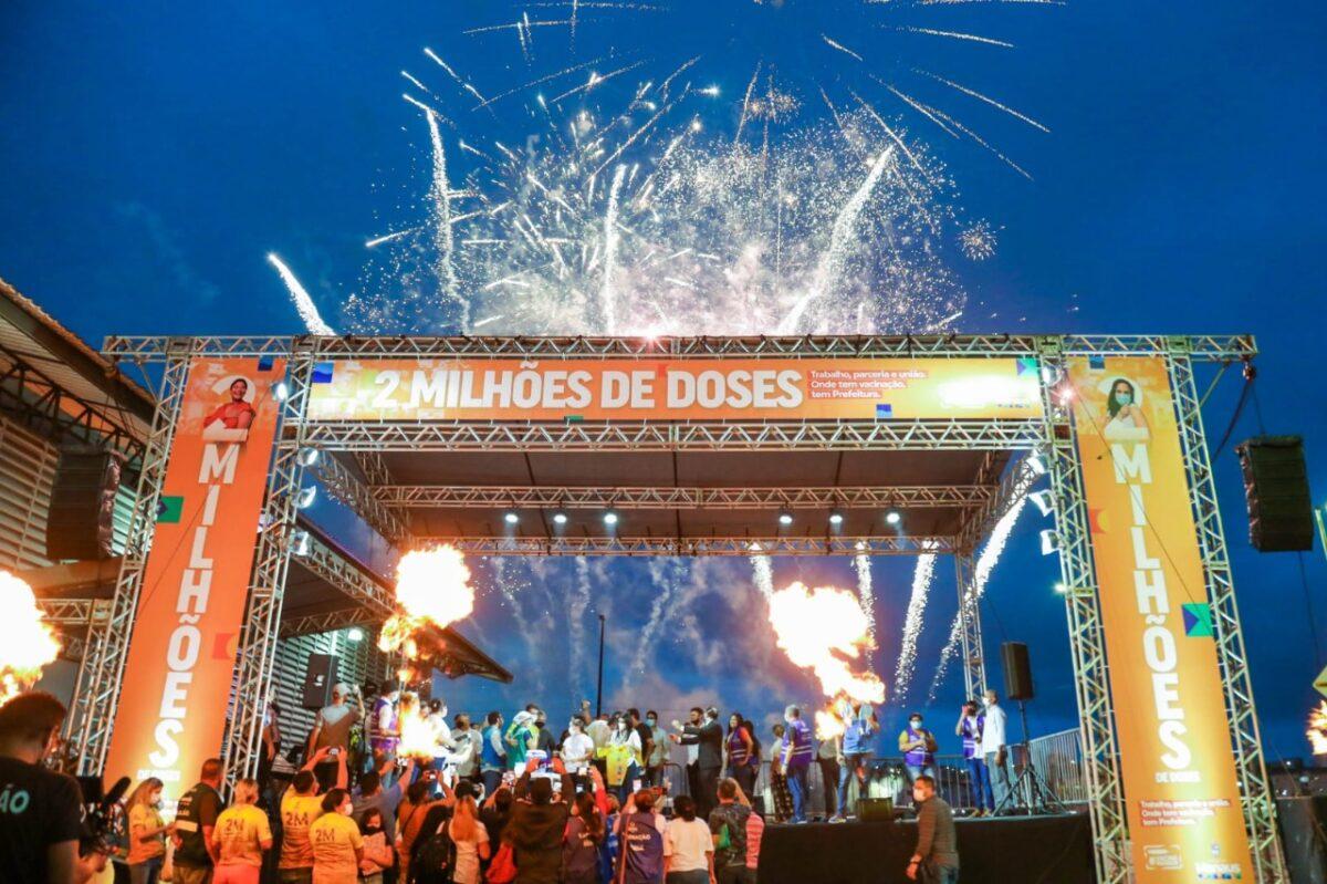 Manaus comemora marca de 2 milhões de doses de vacinas aplicadas