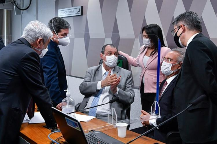 CPI da covid protocola pedido de impeachment contra Bolsonaro
