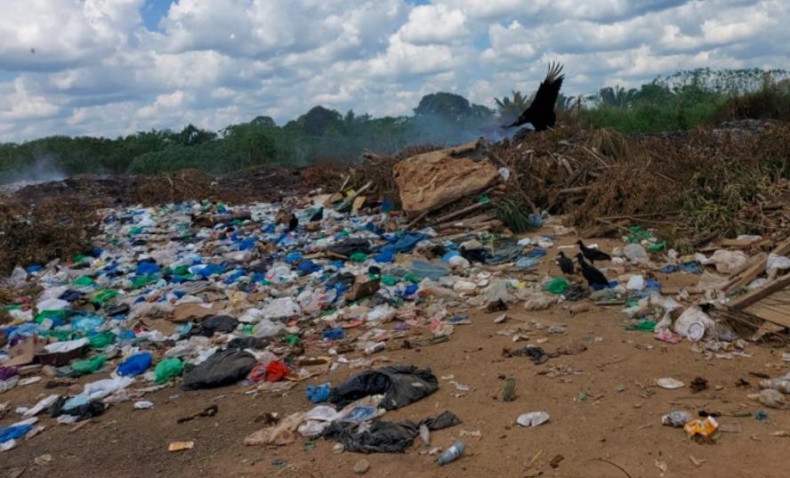 Prefeito de Lábrea é acionado na Justiça pelo lixão a céu aberto